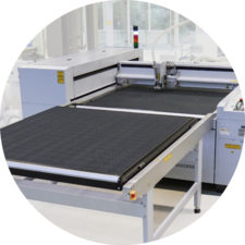 Virtually double productivity thanks to the optional shuttle table system